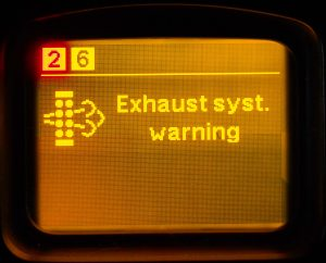 Fault in the exhaust gas cleaning system. Engine power is reduced for 60%. Reducing engine power is turned on and off only on a stationary car.